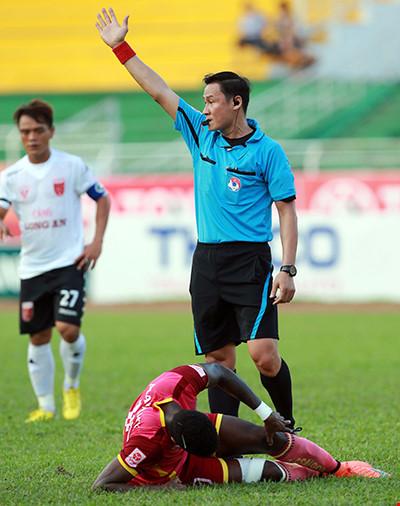 VFF phải tìm biện pháp phòng trống tiêu cực ở V-League