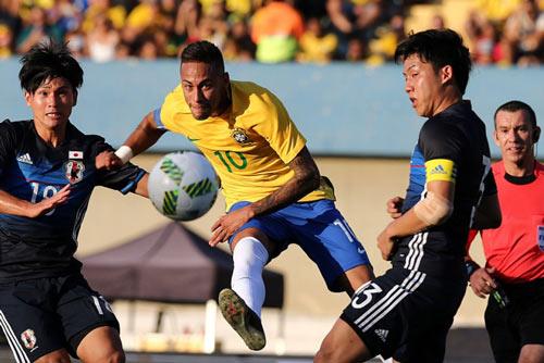 1470280077-brazil-forward-neymar
