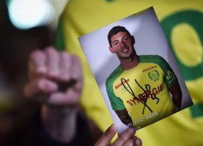 Nantes treo áo số 9 để vinh danh Emiliano Sala